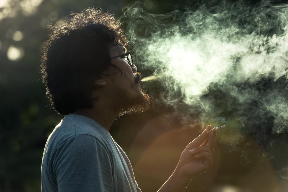 từ bỏ thói quen hút thuốc lá