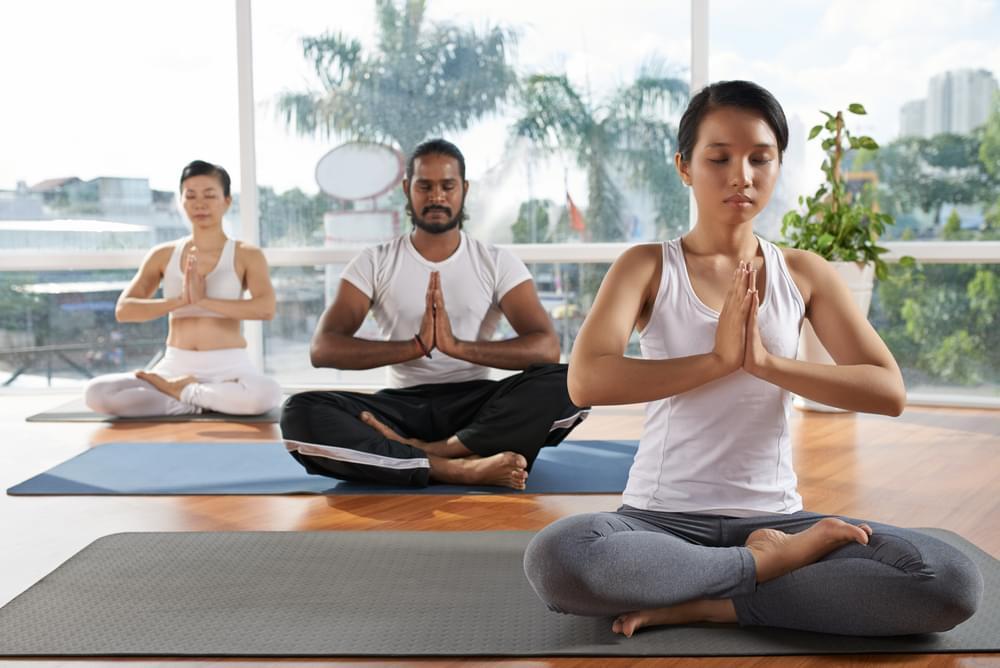 nguoi-benh-dai-thao-duong-tap-yoga