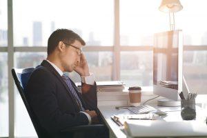Bạn nên và không nên làm gì khi bị căng thẳng tinh thần