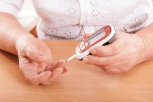 Cách tự kiểm tra glucose máu tại nhà