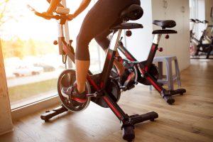 Đạp xe trong nhà
