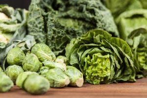 Các loại rau, cải sậm màu