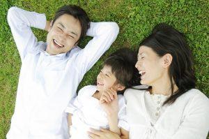 Tắm nắng đúng cách có lợi cho người tăng huyết áp