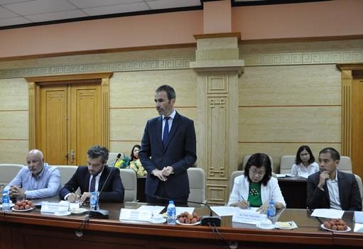 Ông Mathieu Fitoussi, Tổng Giám đốc Servier Việt Nam phát biểu tại buổi Lễ