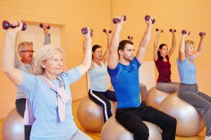 6 bài tập giúp người cao tuổi ổn định huyết áp